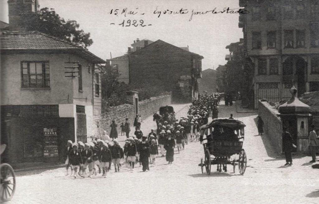 St. Joseph Koleji öğrencileri / Altıyol - Kadıköy / 1922